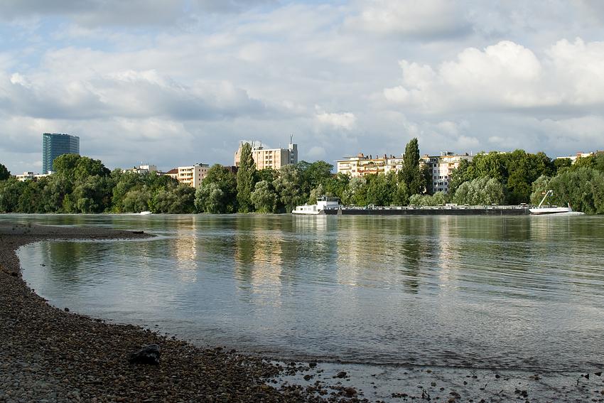 Stadt am Fluß (2)