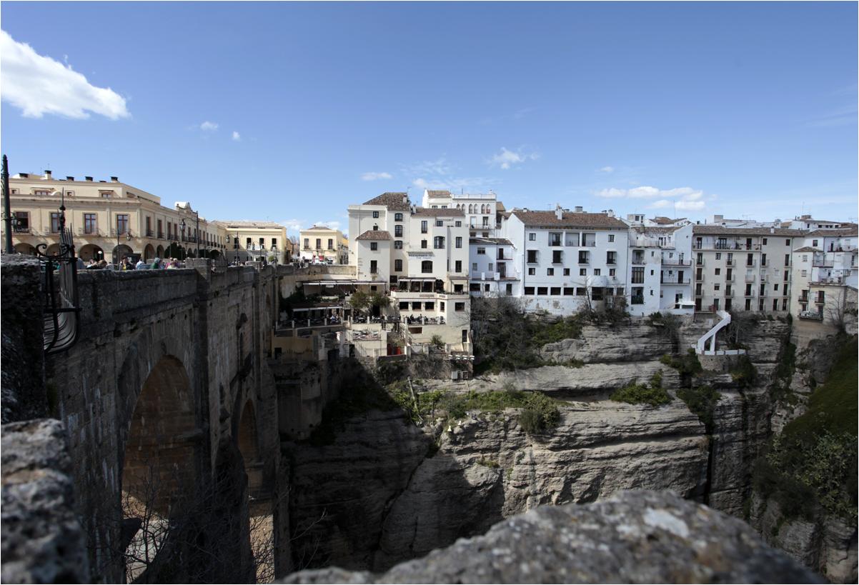 Stadt auf dem Felsen