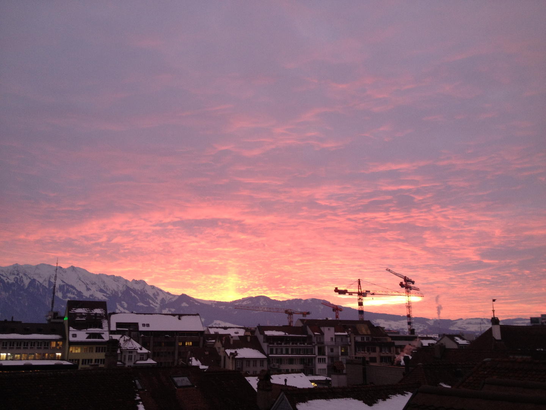 Stadt Thun im Sonnenuntergang
