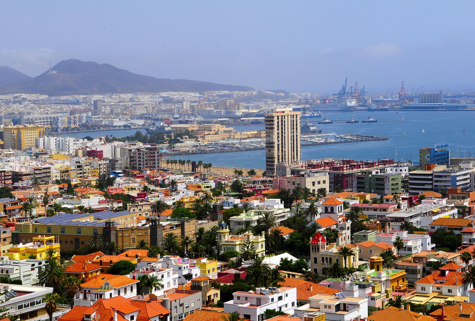 Stadt und Hafenansicht von Las Palmas