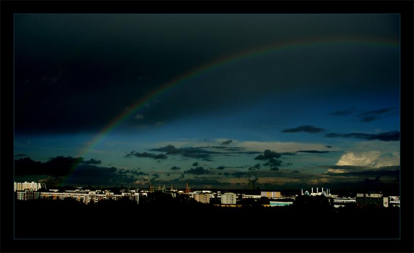 Stadt unter´m Regenbogen