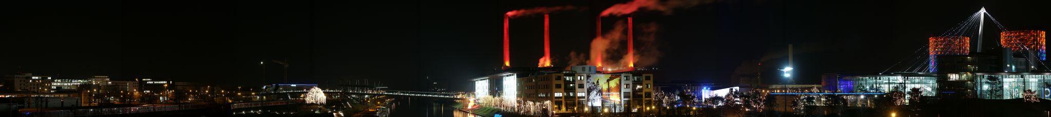 Stadt Wolfsbur, der Mittellandkanal und Wolfsburgs Autostadt