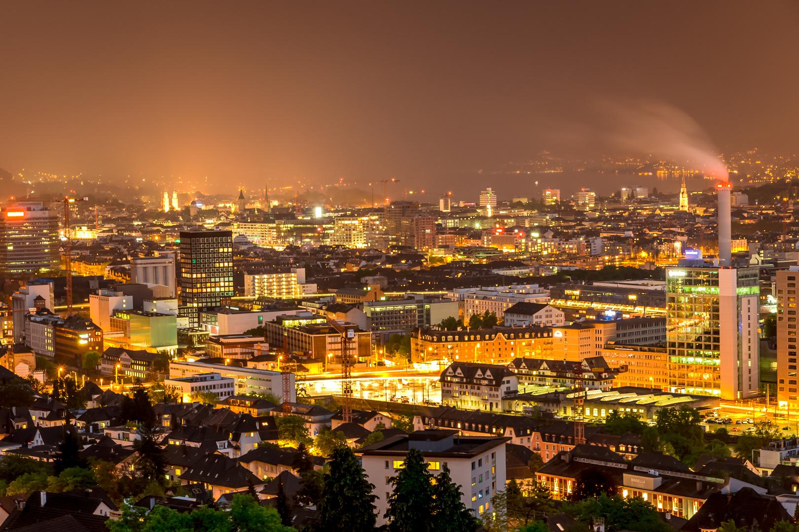 Stadt Zürich bei Nacht