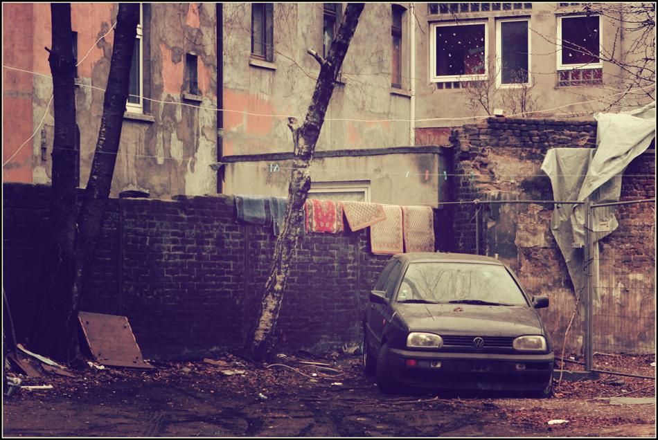 Stadt, zwölf (Hinterhof)