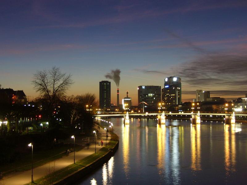 Stadtansicht im Sonnenuntergang