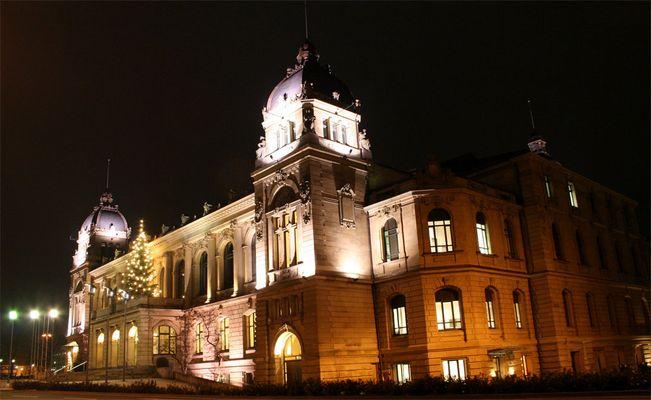 Stadthalle zu Weihnachten in Wuppertal