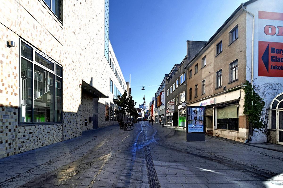 Stadtlandschaft Bergisch Gladbach Hauptstrasse in Color