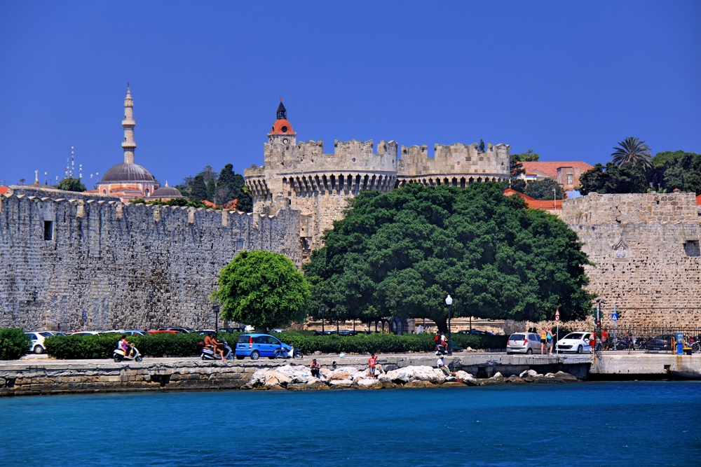 Stadtmauer mit Marientor