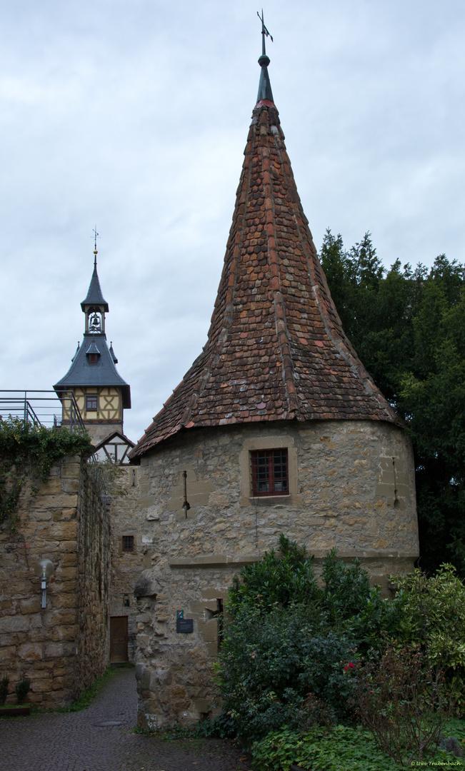Stadtmauer mit Wehrturm in Marbach am Neckar