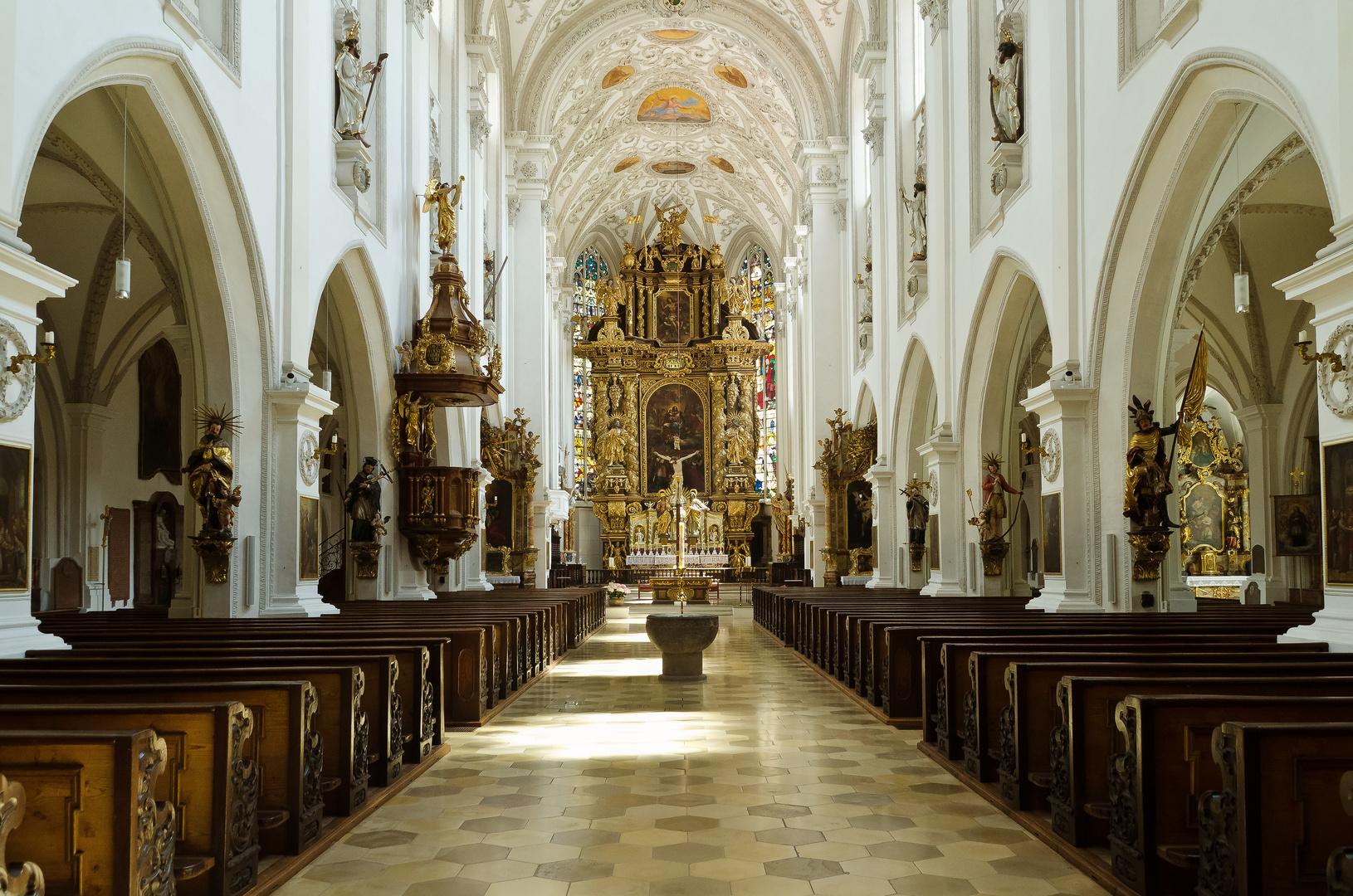 Stadtpfarrkirche St. Mariä Himmelfahrt - Landsberg am Lech (1)