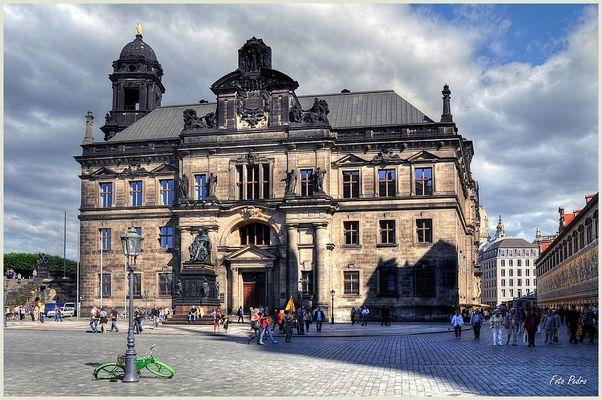 Ständehaus am Schloßplatz...