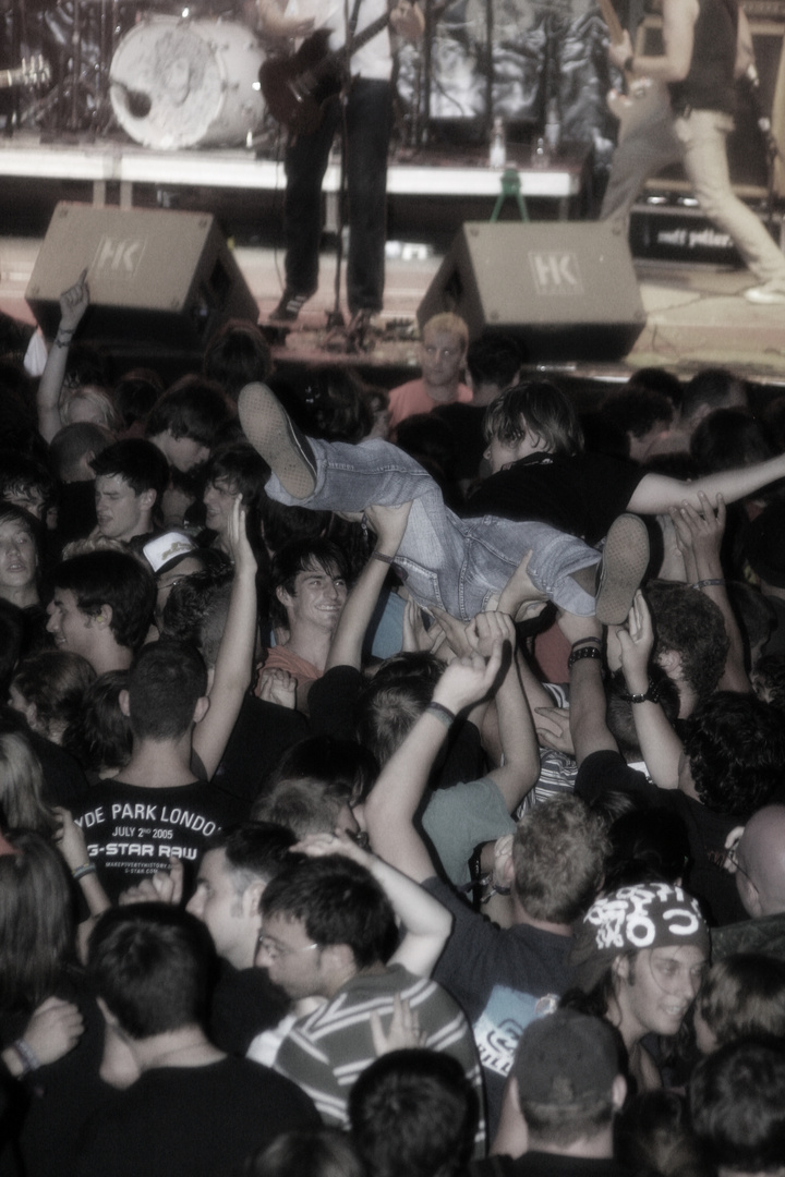 stagediving bei festival