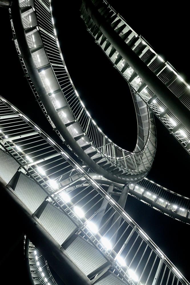 Stahl bei Nacht