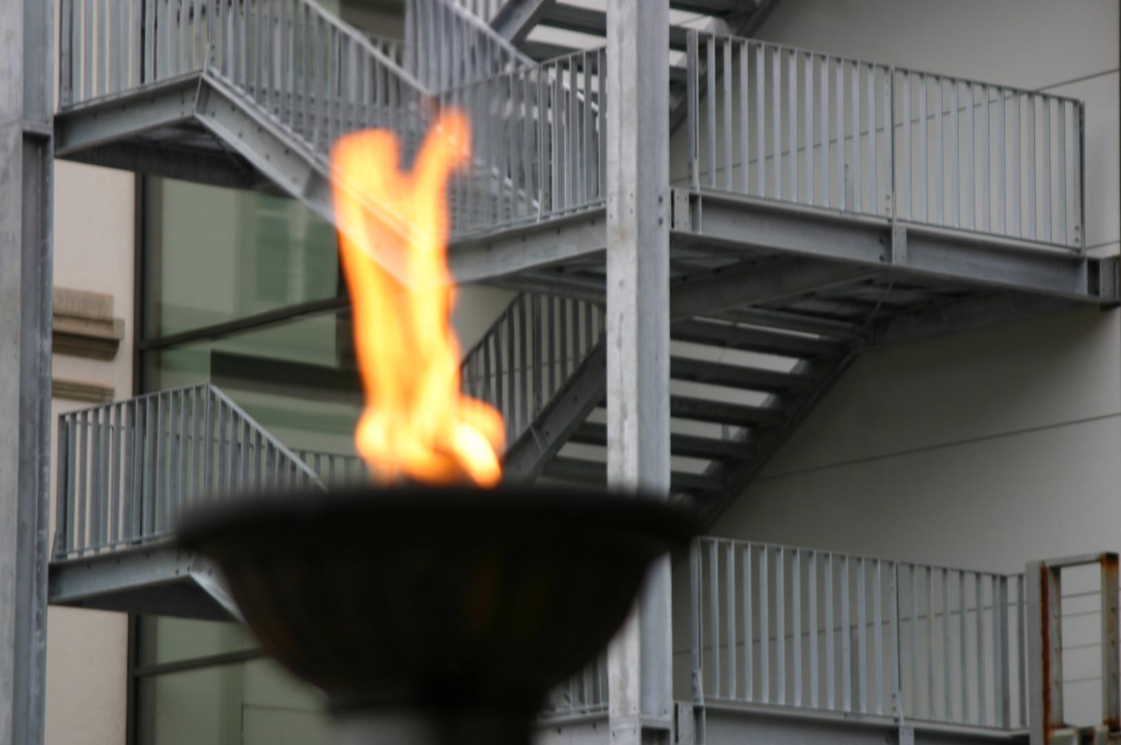 Stahl, nicht ohne Feuer !