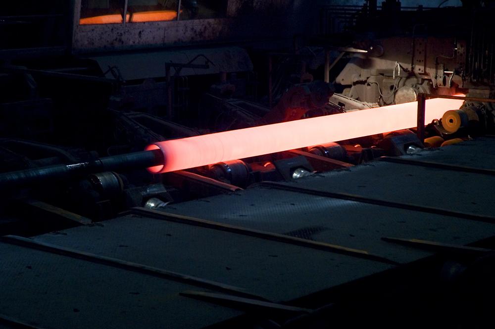 Stahlrohr im Bearbeitungsprozess - 1