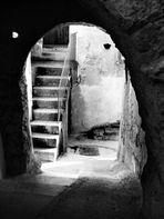 Stairs to the old house - Alla vecchia casa