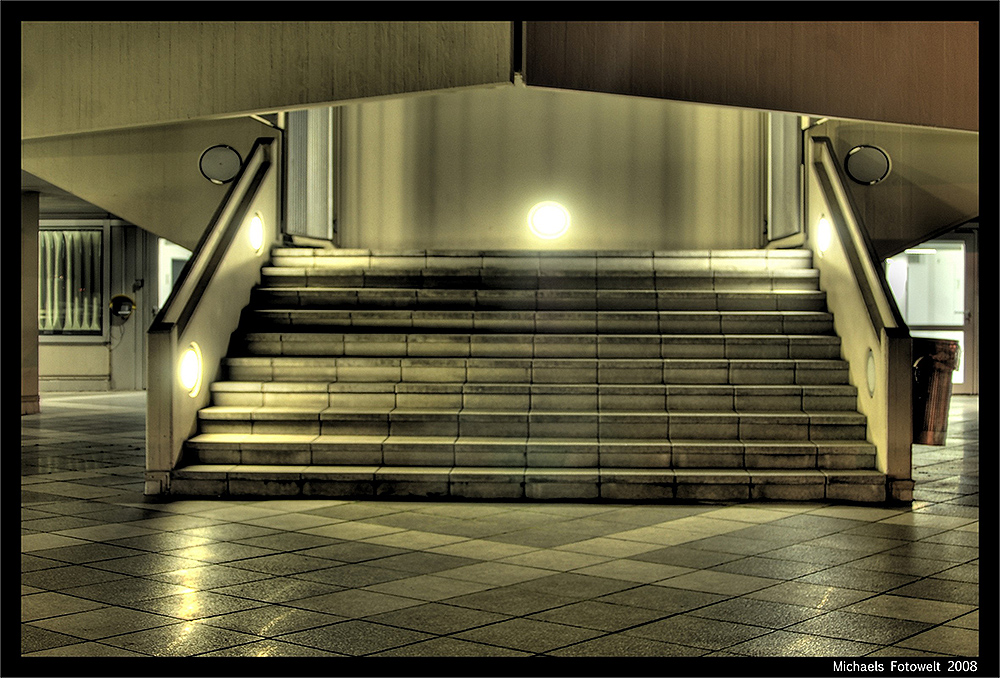 Stairway to the sunsdeck / bunt