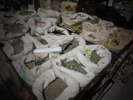 Stand d'épices marché en provence