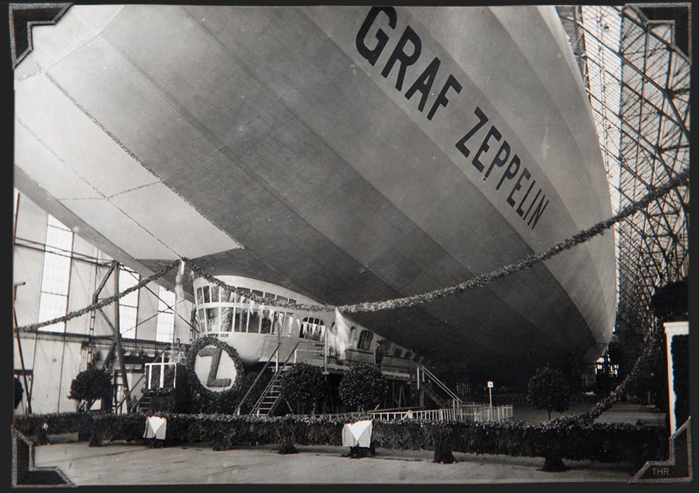 stapellauf der graf zeppelin 1928 foto bild alt historisch geschichte bilder auf fotocommunity. Black Bedroom Furniture Sets. Home Design Ideas