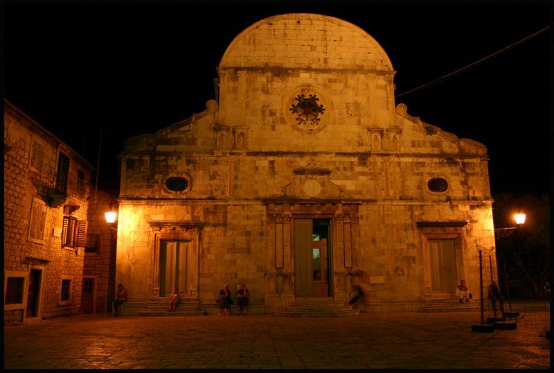 Stari grad- Crkva (CRO)