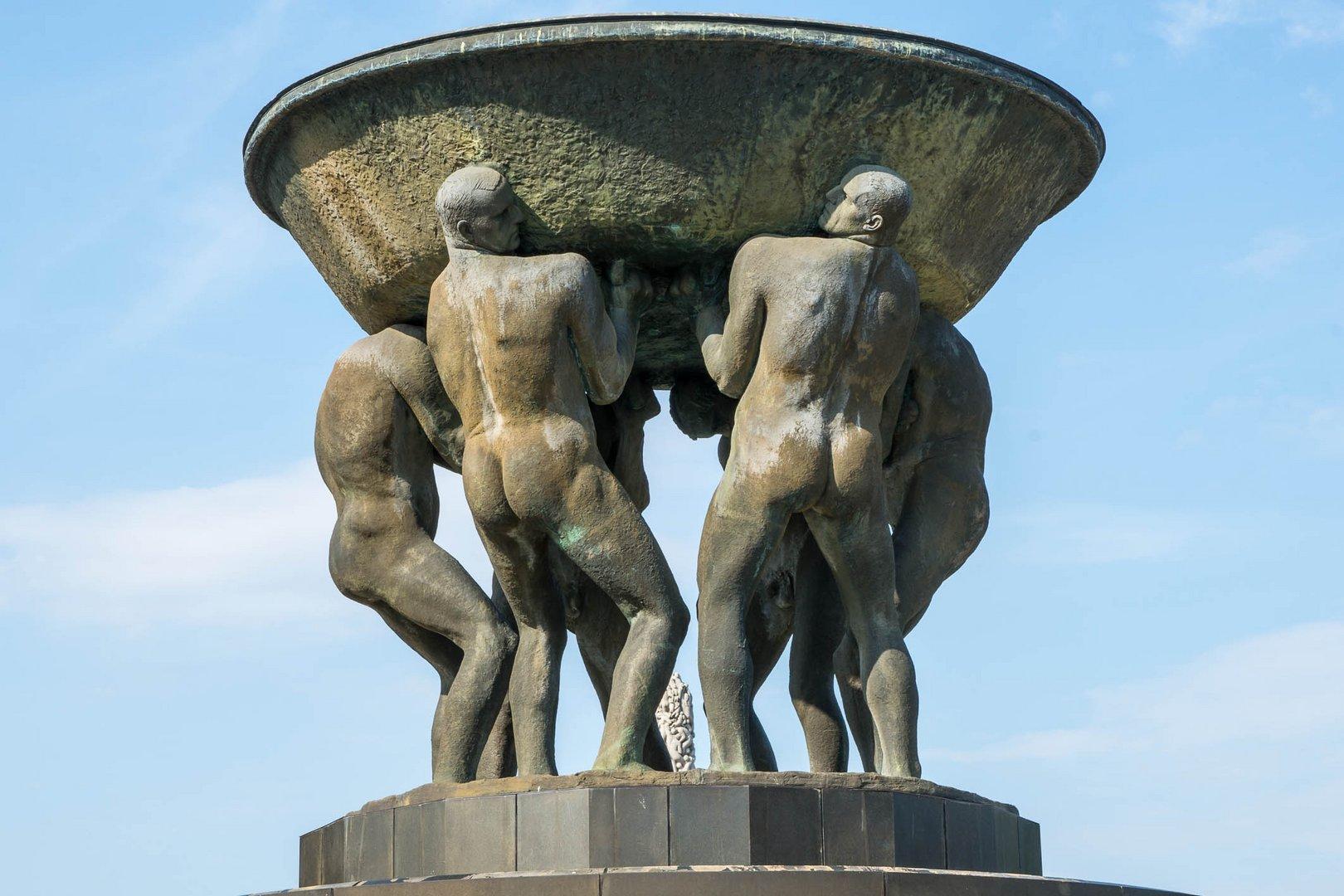 Starke Männer im Vigelant-Park Oslo