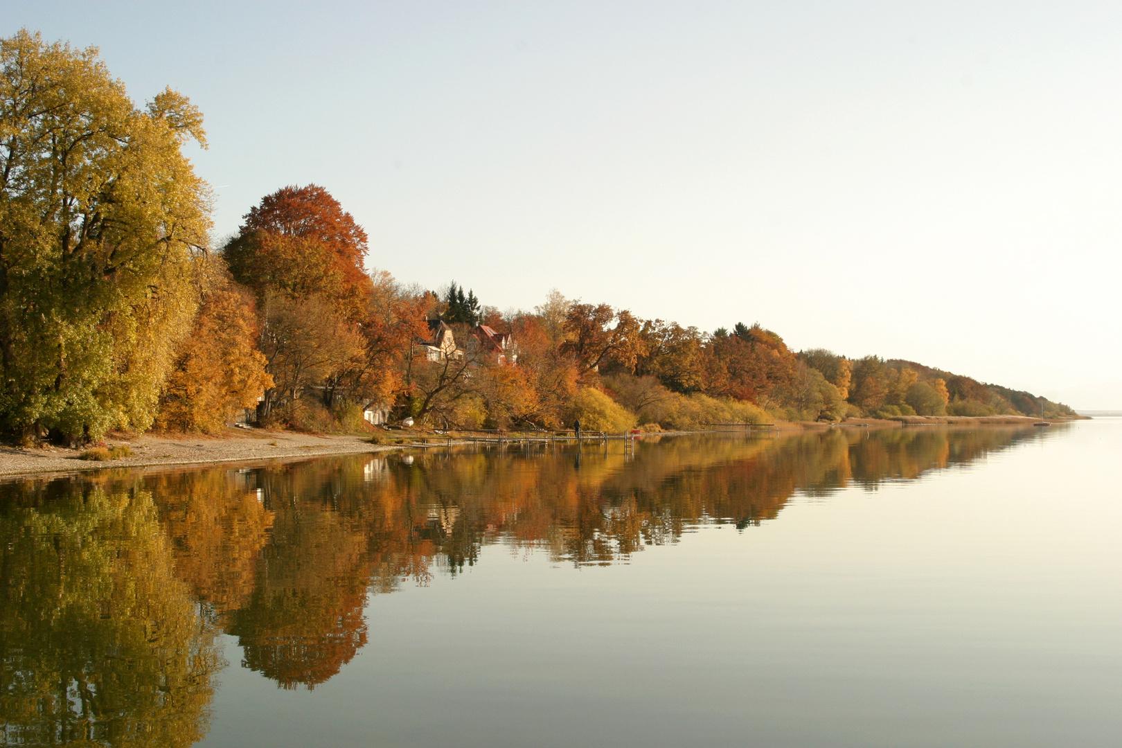 Starnberger See im Herbst