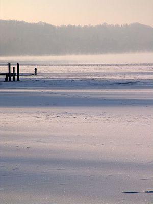 Starnberger See zugefroren II