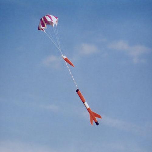 Start einer Modellrakete (Landungsphase)