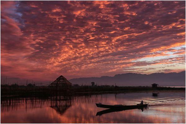 Start in einen neuen Tag am Inle-See