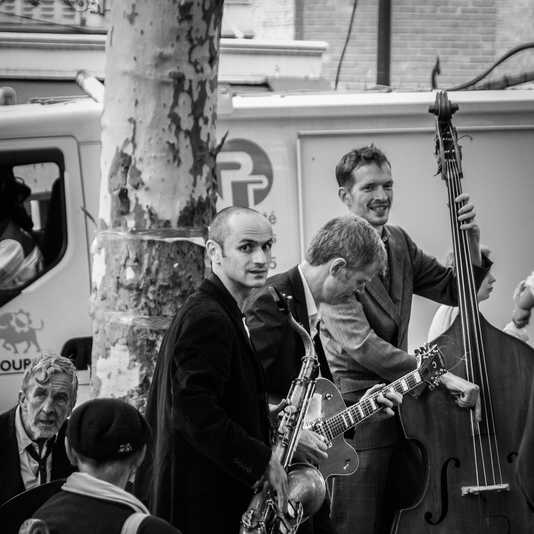 Stassenmusiker in Paris