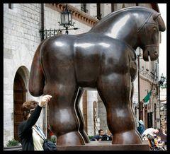 Statua di Botero a Assisi