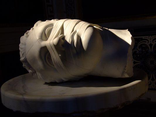 statua morta
