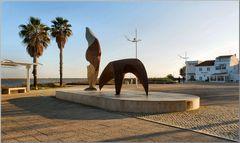 Statua vicina al fiume Tejo