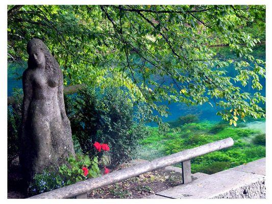 Statue am Blautopf