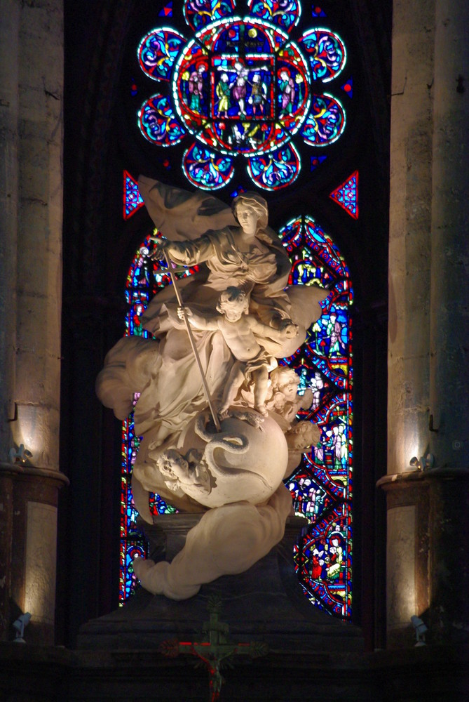 statue cathedrale Beauvais