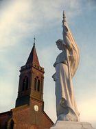 Statue et Eglise