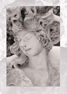 """Statue """"Frau"""""""