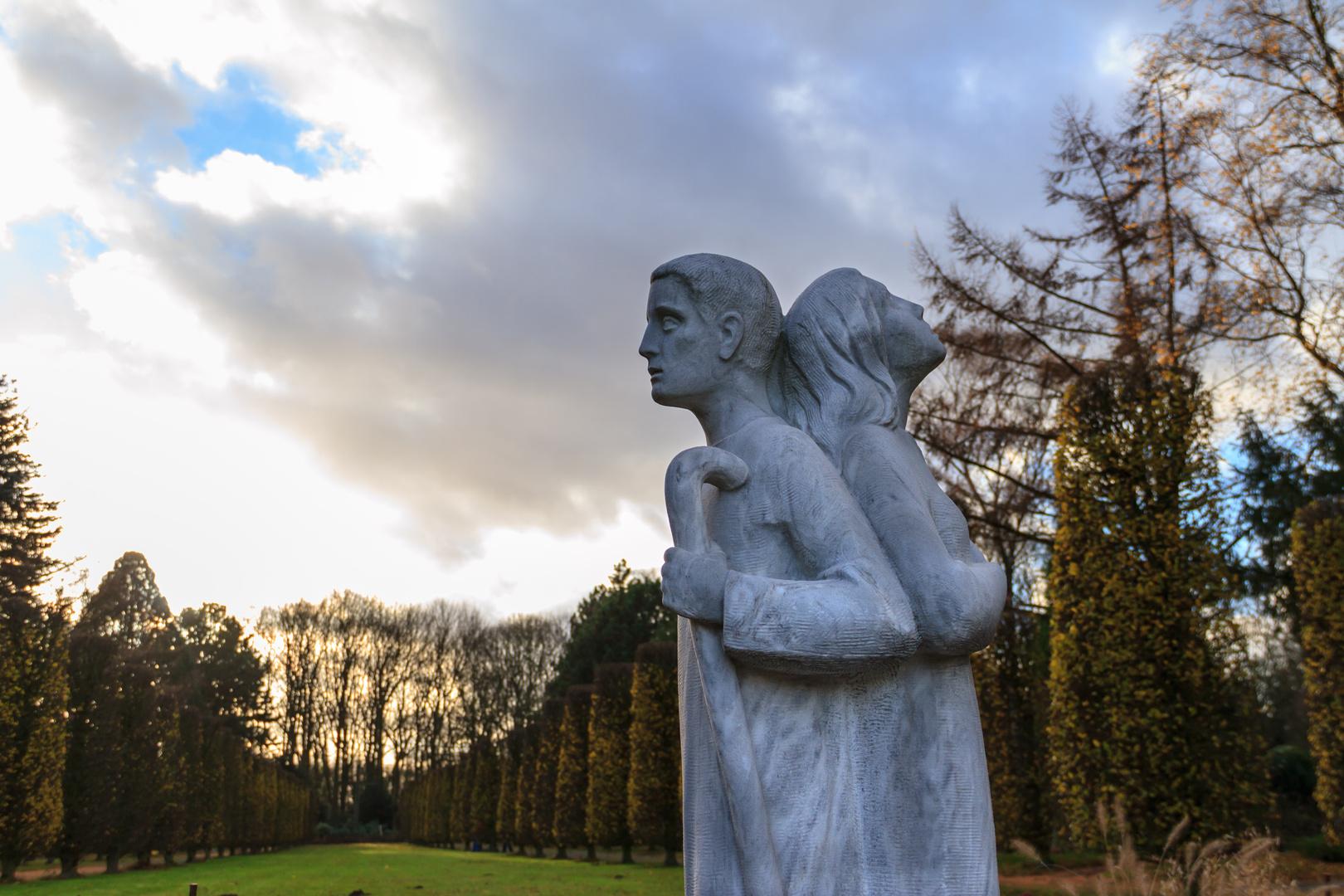 Statue Friedhof