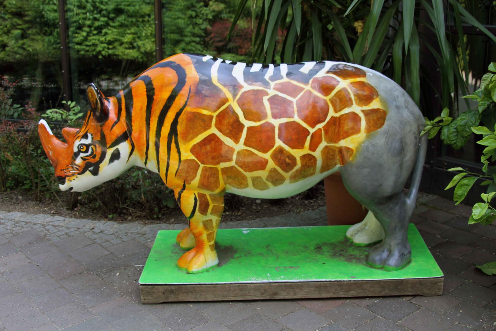 Statue im Augsburger Zoo