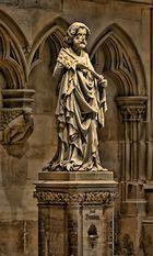 Statue im Regensburger Dom