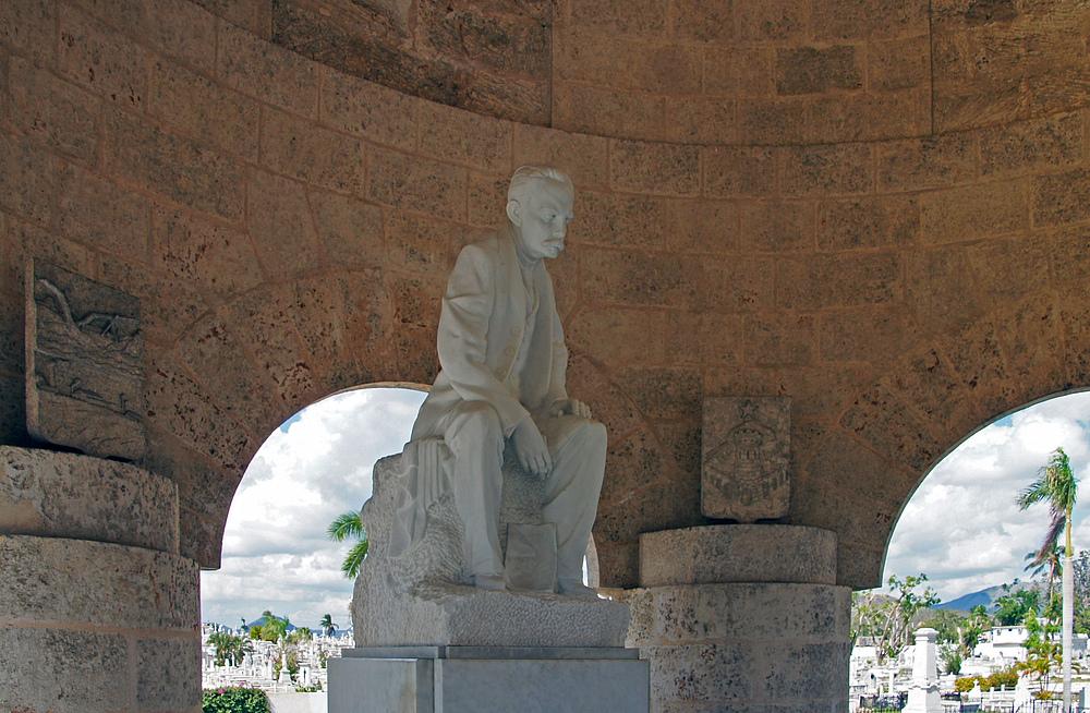..Statue Marti..