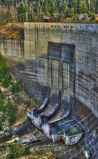 Staumauer der Okertalsperre bei Niedrigwasser