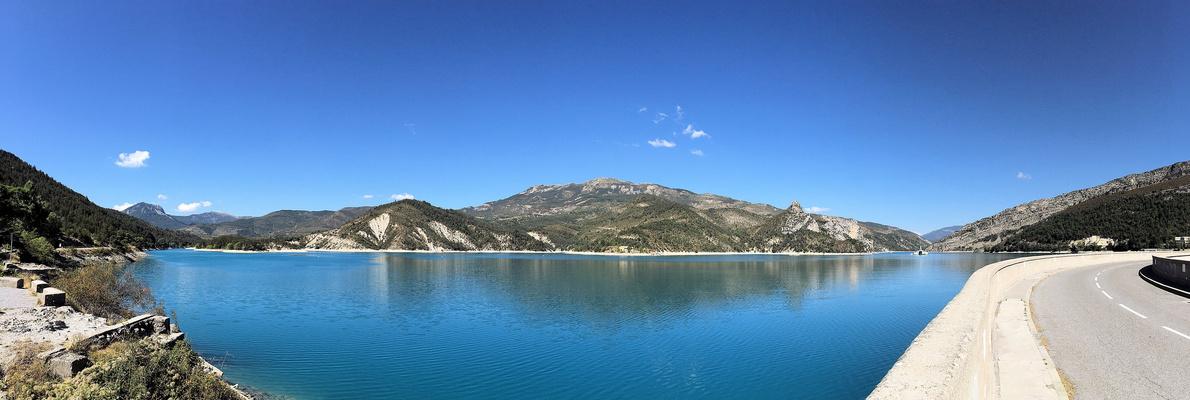 Stausee Lac de Castillon nahe Castellane im Septem