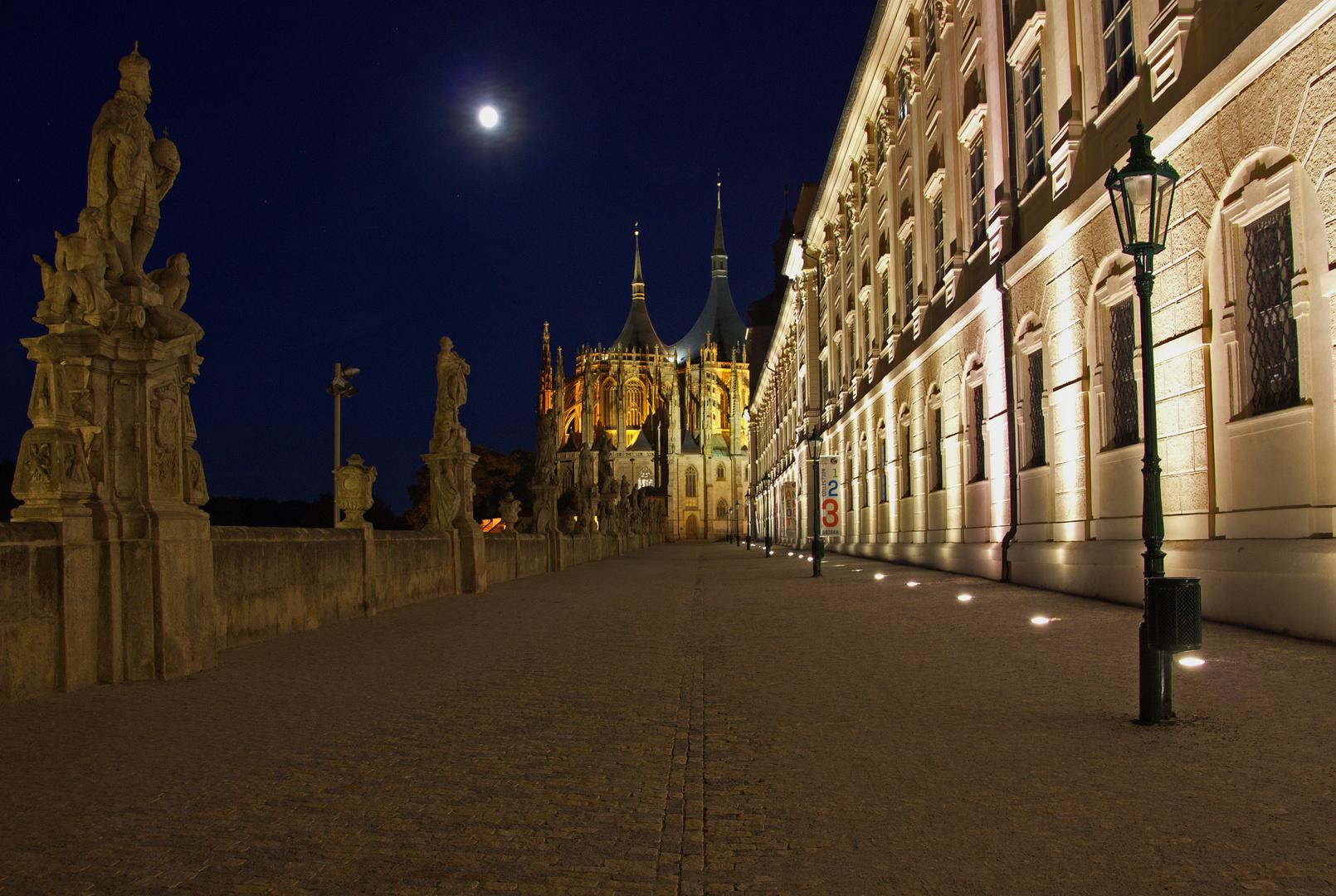 St.Barbara Kathedrale bei Nacht