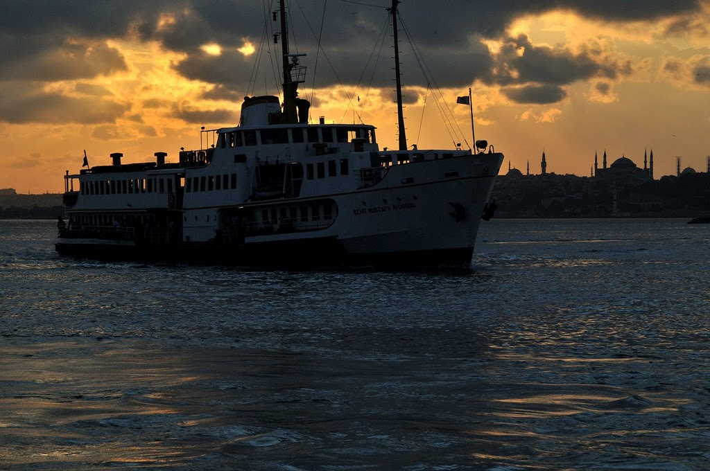 Steamer / Istanbul