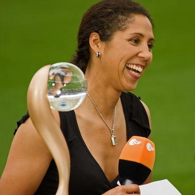 Steffi Jones und der UEFA-Pokal der Frauen