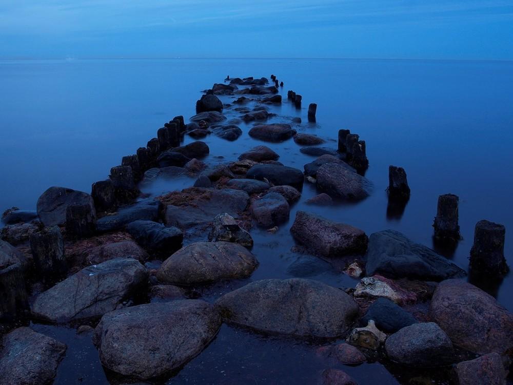 Steg aus Steinen