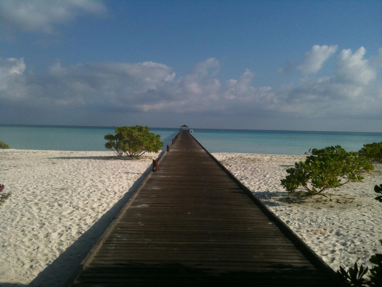 Steg Holiday Island Süd Ari Atoll Malediven
