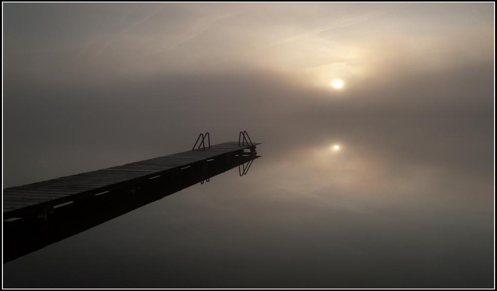 -Steg im Morgennebel-