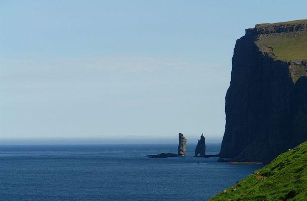 Steilküste auf den Faeroer-Inseln